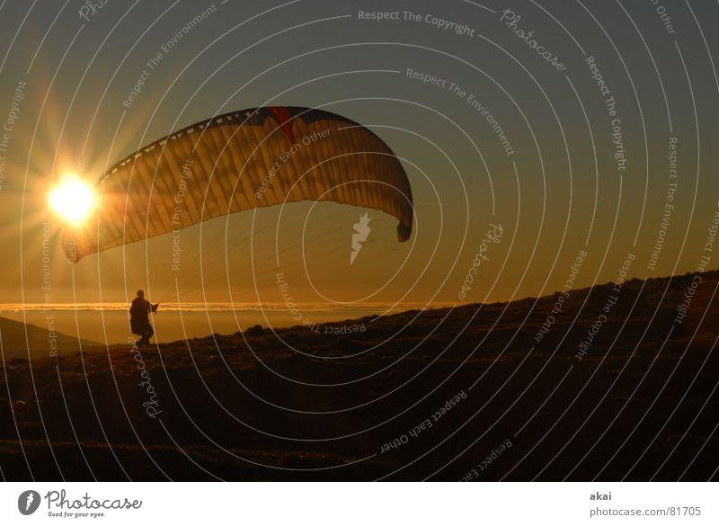 Gleitschirm am Schauinsland Sonne Ferien & Urlaub & Reisen Farbe Sport Gefühle Berge u. Gebirge orange Beginn Luftverkehr Romantik Fallschirm Abenddämmerung Planet Gleitschirmfliegen Abheben gemalt