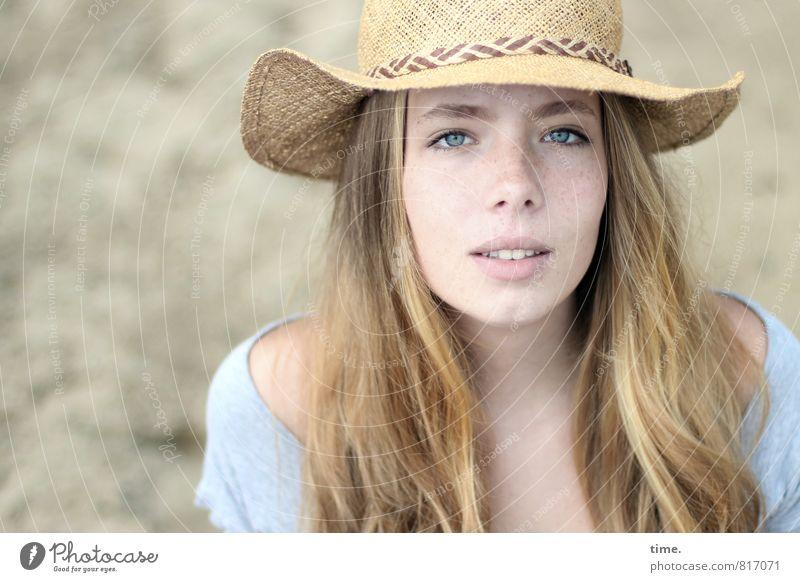 Nelly Mensch schön Leben Gefühle feminin natürlich Stimmung elegant Zufriedenheit blond beobachten einzigartig Romantik Neugier Kontakt Hut