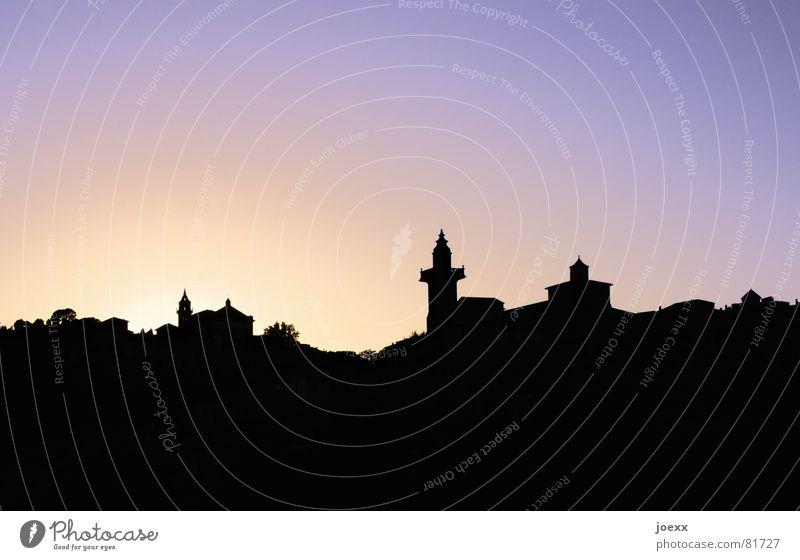 Scherenschnitt oriental Ferien & Urlaub & Reisen Sonne Himmel Schönes Wetter Dorf Stadt Altstadt Turm Dach historisch violett Sonnenuntergang purpur Spanien