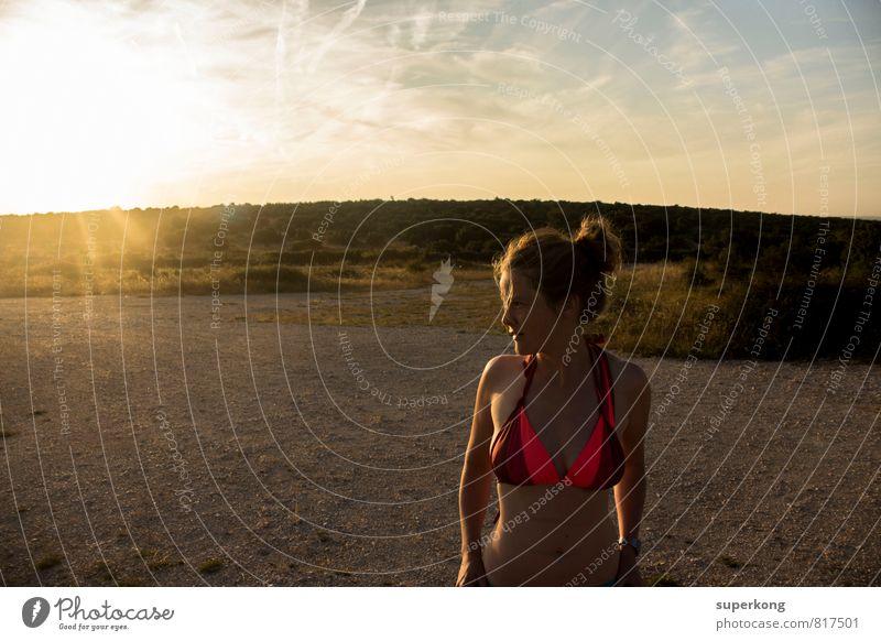 Sonnenbad Umwelt Natur Landschaft Pflanze Tier Erde Sand Himmel Wolken Wetter Schönes Wetter Wärme Sträucher Unterwäsche Bikini Haare & Frisuren blond atmen