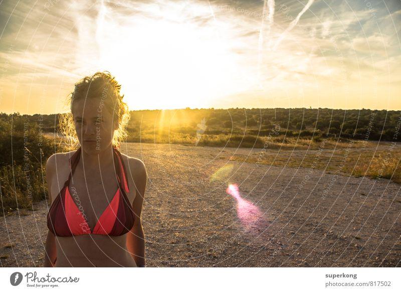 Sonnenbad Mensch feminin Frau Erwachsene Körper Kopf Haare & Frisuren Gesicht 18-30 Jahre Jugendliche Kultur Jugendkultur Sonnenaufgang Sonnenuntergang