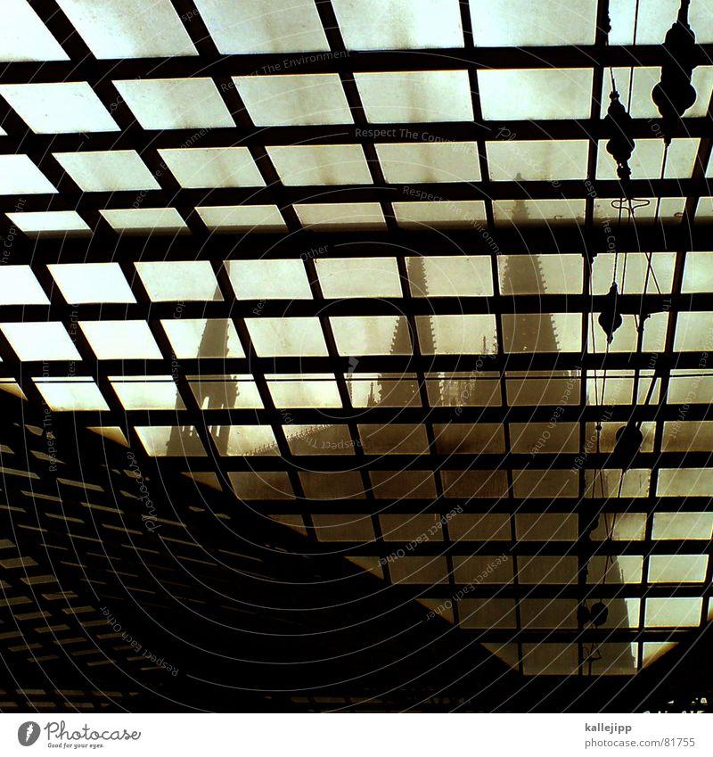 wir lassen den dom in kölle... Religion & Glaube Kunst Architektur Deutschland modern Zeichen Köln Denkmal Vergangenheit Bahnhof Symbole & Metaphern Wahrzeichen Dom Gotik Kathedrale