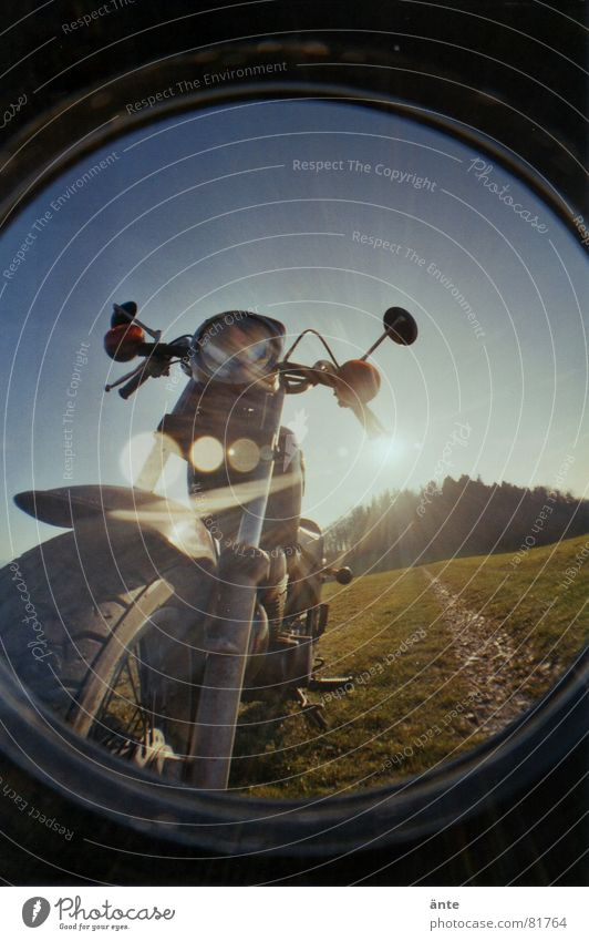 Meine Yahama stahlblau parken Frontlicht Stoßdämpfer Motorrad Verzerrung rund blenden Freizeit & Hobby Mobilität Fahrzeug Rückspiegel Silhouette Gummi Fischauge