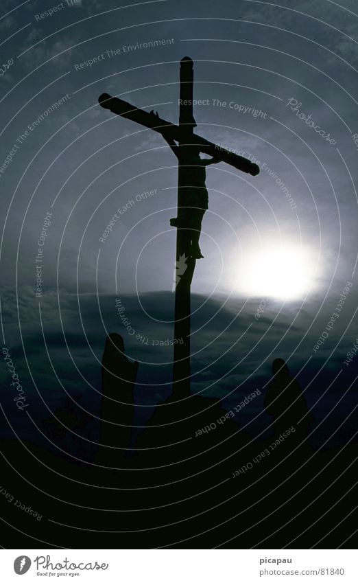 Kreuzigung Kruzifix Jesus Christus Christentum Gegenlicht bedrohlich mystisch Glaube Religion & Glaube Hoffnung Brasilien Himmel Tod messias Opfer theologie