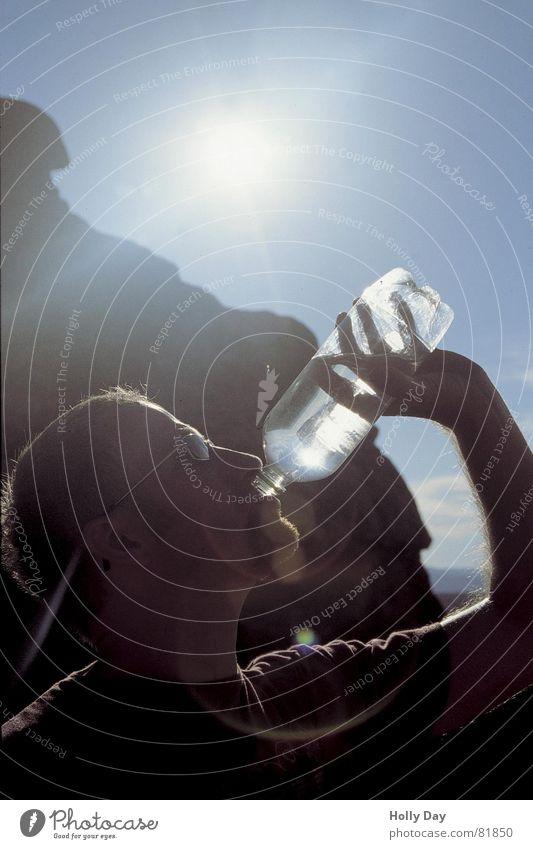 DURST!!! Mann Wasser Sonne Sommer Kopf trinken Wüste Flasche Durst grell Nationalpark verdursten