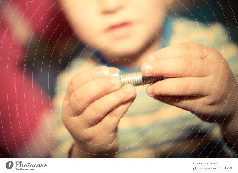 kita feinmotorik übung Mensch Kind Hand Freude Junge Spielen Arbeit & Erwerbstätigkeit Kindheit Arme Fröhlichkeit lernen Lebensfreude Mutter Bildung Beruf