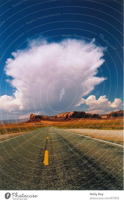 Die Wolke, die den Sonnenuntergang stahl, Teil 2 Wolken Sommer Macht fantastisch Dieb träumen 2006 USA Himmel Straße Wüste blau orange Ferne groß Wege & Pfade