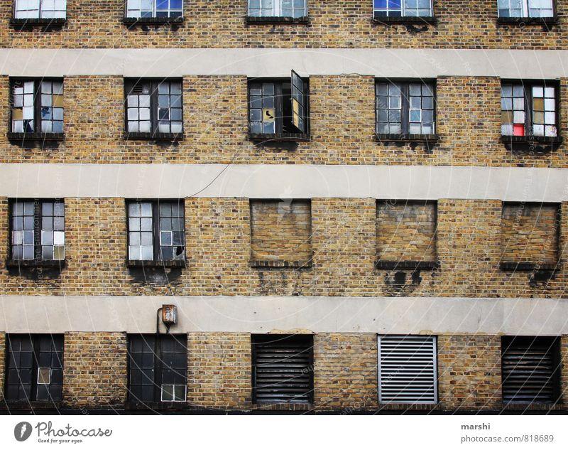 abgewohnt alt Stadt Haus Wand Autofenster Mauer Stein braun Häusliches Leben Fabrik Wohnzimmer Hauptstadt London Industrieanlage Altbau Gemäuer