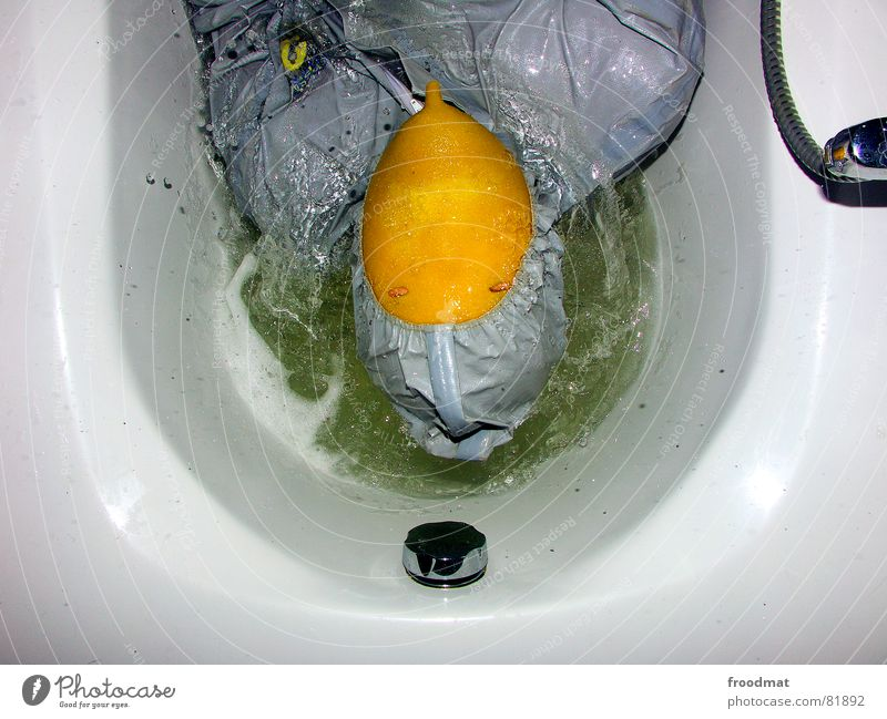 grau™ - badespass Wasser rot Freude gelb grau Kunst lustig verrückt Bad Maske Fliesen u. Kacheln Flüssigkeit Anzug Dusche (Installation) feucht dumm