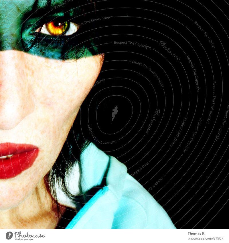 THIS IS THE NEW SHIT virtuell Rock 'n' Roll Porträt Frau Schminke Lippen absurd schwarz stechend obskur schön außergewöhnlich Teint leibhaftig Mensch lustig