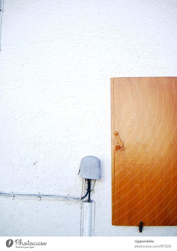 fensterladen Fensterladen Wand Fassade Holz Kontrast Mauer Detailaufnahme Kabel eine wand betreffend Leiter Leitung Maske
