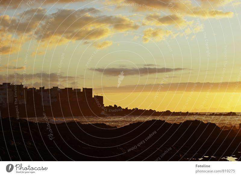 Abendstimmung Umwelt Natur Landschaft Urelemente Wasser Himmel Wolken Sonnenaufgang Sonnenuntergang Sommer Wärme Küste Strand Meer dunkel Ferne Unendlichkeit