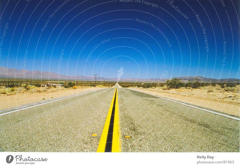 Unendliche Weiten... Himmel blau Sommer Ferne Straße Wege & Pfade frei Horizont Verkehr leer Perspektive USA Wüste Asphalt heiß Unendlichkeit