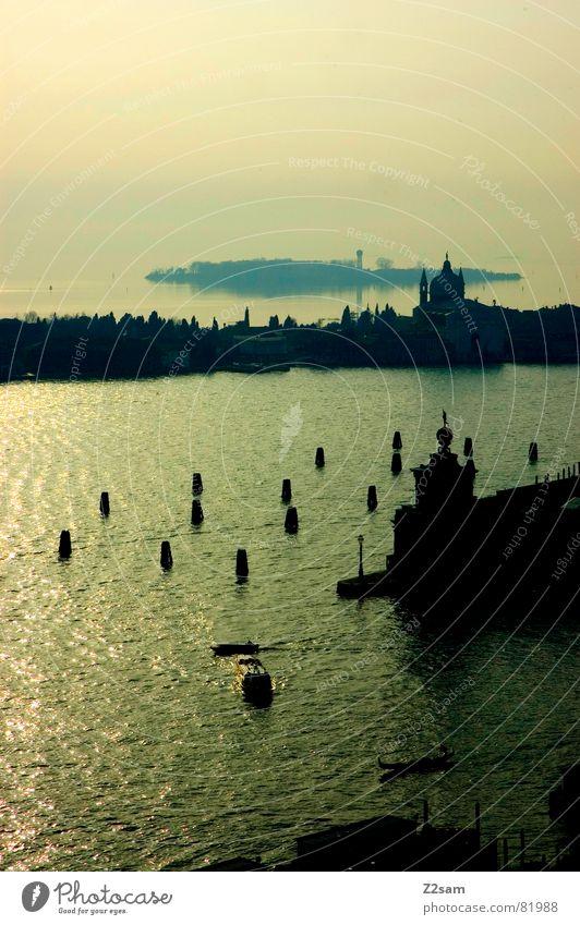 meerblick! Wasser Sonne Meer grün blau Stadt oben Gebäude Insel Kirche Turm Italien Anlegestelle Venedig ankern Landzunge