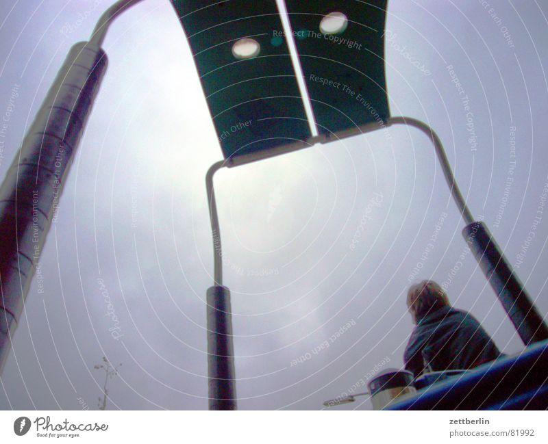 Spielplatz Himmel Wolken Luft Wetter Klima Pause Bildung Junger Mann Bauernhof Unwetter Schüler Langeweile Antenne kindlich Meteorologie