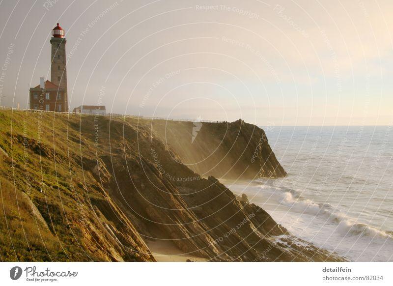 Leuchtturm Himmel Wasser grün Meer Strand Haus Wiese Gras Sand Küste See Wellen Horizont Felsen Rasen Weide