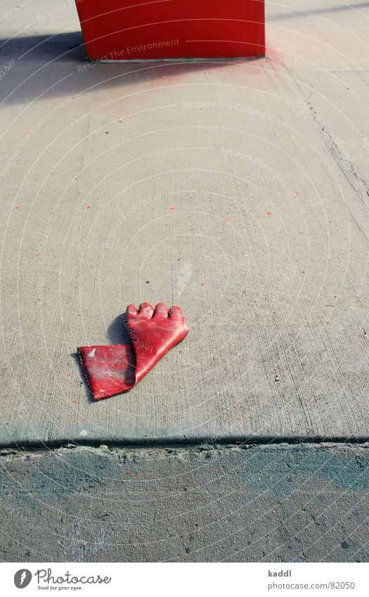 roter Handschuh 1 rot Farbe obskur Säule Pfosten Handschuhe Composing arrangiert