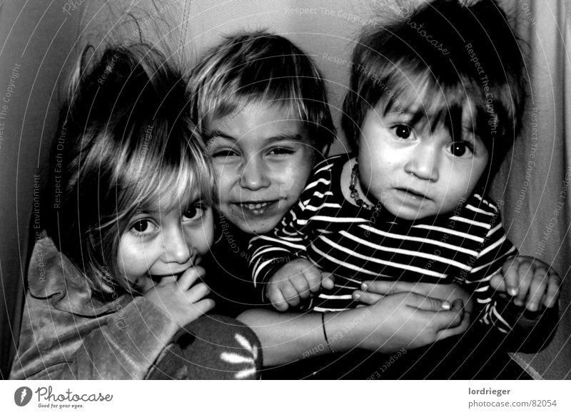 die wilden kerle aus klosterneuburg Kind Freude Liebe Gefühle Glück fliegen hoch schreien hören tief Schaukel Geburt Kindererziehung Sack Mitgefühl