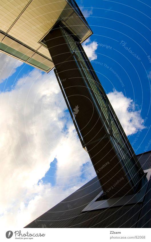 verbindung verbinden Gebäude Haus Wolken Metall gelb sehr wenige abstrakt Stil Himmel Geometrie modern Verbindung Brücke blau blue architecture sky clean