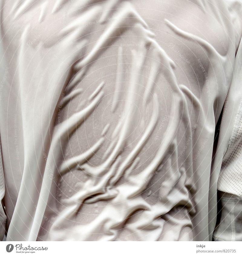 Nasses Hemd Lifestyle Freude Freizeit & Hobby Spielen Sommer Sportler Fan Erfolg Trikot maskulin Junge Junger Mann Jugendliche Erwachsene Kindheit Leben Rücken