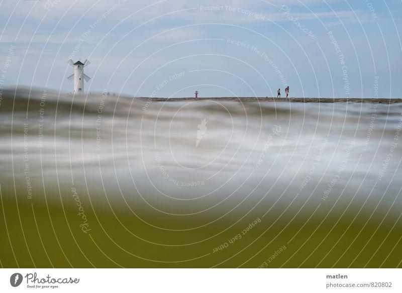 pop up Mensch 3 Landschaft Wasser Himmel Wolken Horizont Sonnenlicht Wetter Schönes Wetter Wellen Küste Ostsee blau grün weiß Mole Leuchtturm