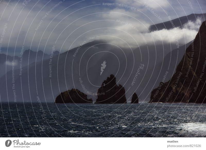 """""""...mit Wolkendunst"""" Natur Landschaft Wasser Himmel Frühling Klima Wetter Schönes Wetter Nebel Felsen Berge u. Gebirge Gipfel Küste Riff Meer blau braun weiß"""