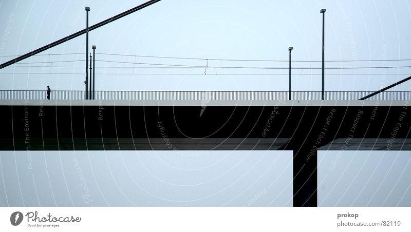 Zwischen Schräg und Ziel II unsozial Einsamkeit Geometrie Lampe schwarz Verkehr Straßenverkehr trist Menschenleer Brückenpfeiler Ferien & Urlaub & Reisen