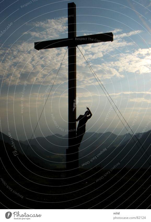 Selina am Kreuz III wandern deuten Richtung Sommer Ferien & Urlaub & Reisen Erholung Gegenlicht Bundesland Tirol Bayern Schönes Wetter Bergwiese Bergsteigen