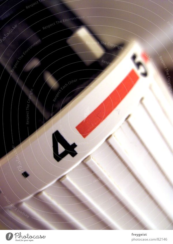Heat rot Winter Herbst Wärme Linie Perspektive Physik Heizung Wohnzimmer Heizkörper Haushalt Makroaufnahme
