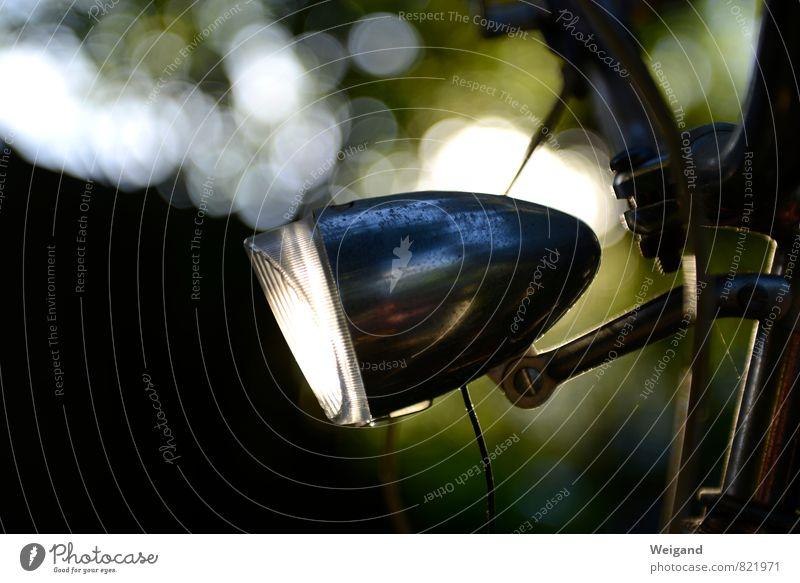 Let you light shine Fahrradfahren Verkehr Verkehrsmittel Fahrzeug Oldtimer alt leuchten Vorsicht Gelassenheit geduldig ruhig Licht Gegenlicht sommerlich Lampe