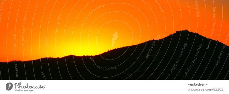spanish sunset schön rot Sommer schwarz gelb Berge u. Gebirge Denken träumen orange Romantik fantastisch Spanien Gedanke knallig Himmelskörper & Weltall
