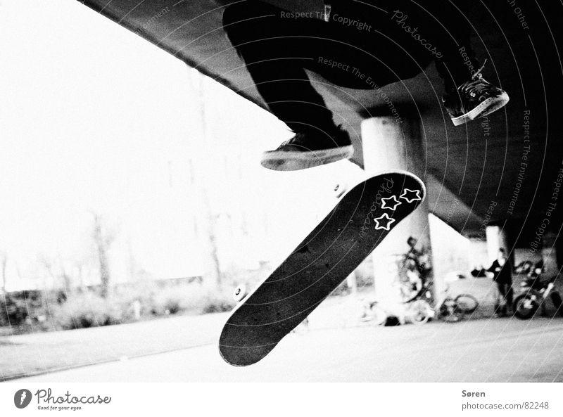 Skater stars Jugendliche Sport springen Spielen Schuhe fliegen Stern (Symbol) Freizeit & Hobby Skateboarding Skateboard Lautsprecher Rolle Hardcore hüpfen Salto Halfpipe