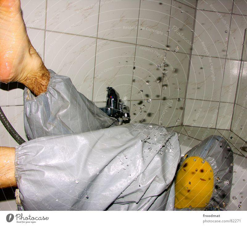 grau™ - spritzig Wasser rot Freude gelb grau Kunst lustig verrückt Maske Fliesen u. Kacheln Flüssigkeit Anzug Dusche (Installation) feucht dumm Badewanne