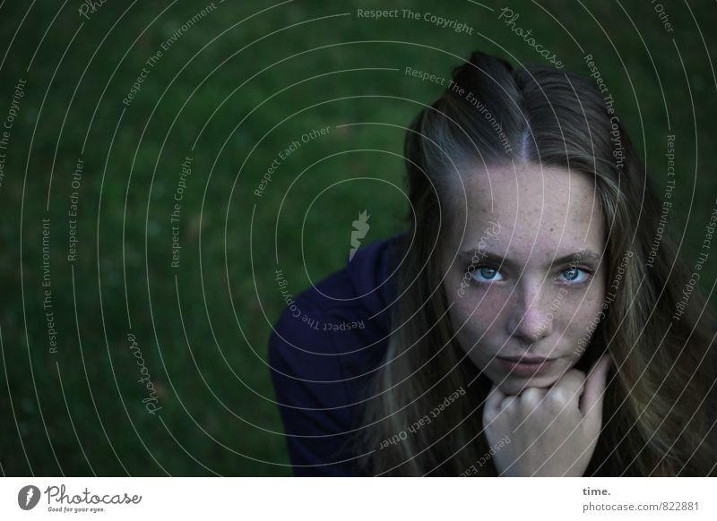 . Mensch schön ruhig Gefühle feminin träumen blond authentisch Unendlichkeit Vertrauen Gelassenheit Wachsamkeit langhaarig Inspiration Vorsicht Willensstärke