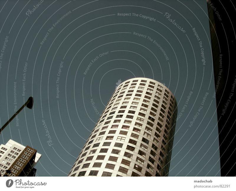 DAS LEBEN IST NICHT FAIR [600] Himmel Stadt blau Wolken Haus Fenster Leben Architektur Gebäude Freiheit fliegen oben Arbeit & Erwerbstätigkeit Wohnung Design