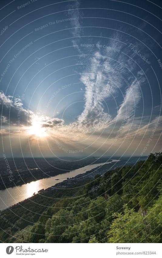Vom Drachenfels... Himmel Stadt Sommer Sonne Baum ruhig Landschaft Wolken Berge u. Gebirge Deutschland Idylle Sträucher Tourismus wandern Europa Ausflug