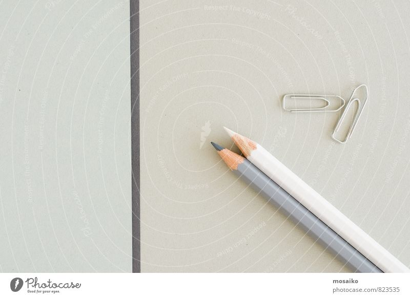 Büroalltag Design Bildung Erwachsenenbildung Business Schreibwaren Papier Schreibstift Kommunizieren schreiben grau weiß Idee Dienstleistungsgewerbe