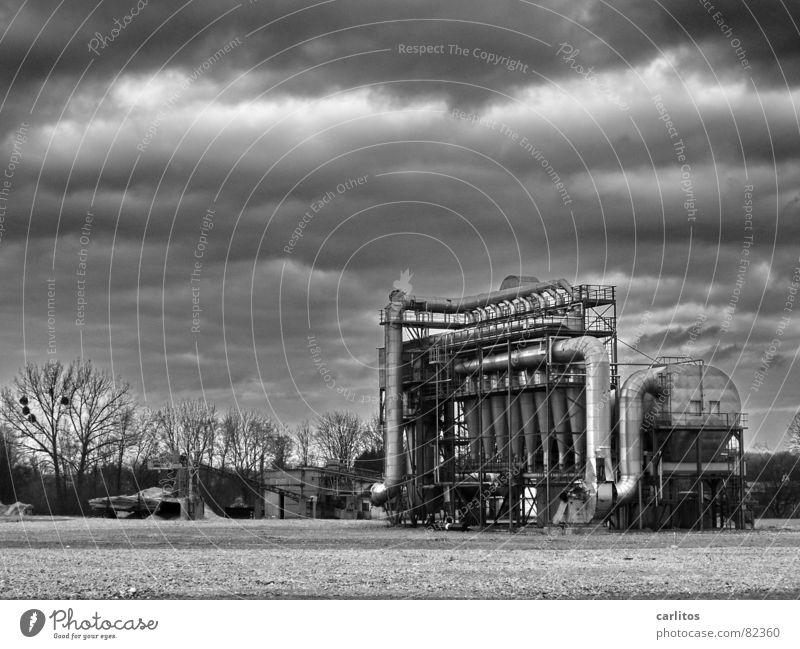 Grau in Grau Wolken grau Architektur Wetter Industrie Technik & Technologie bedrohlich Gastronomie Verfall Maschine Ruine Demontage Politik & Staat dramatisch