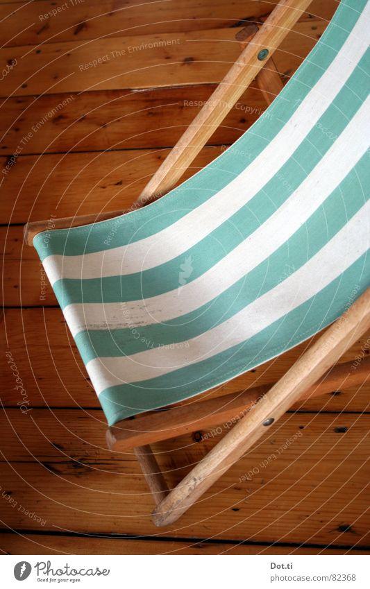 Innenkabine II Erholung Ferien & Urlaub & Reisen Sonnenbad Möbel Stuhl Streifen Liegestuhl gestreift faulenzen Holzfußboden bodendielen durchhängen Farbfoto