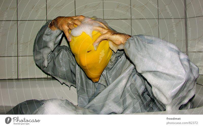 grau™ - Kopfwäsche gelb grau-gelb Anzug rot Gummi Kunst dumm sinnlos ungefährlich verrückt lustig Freude Badewanne feucht Flüssigkeit Schaum Kunsthandwerk