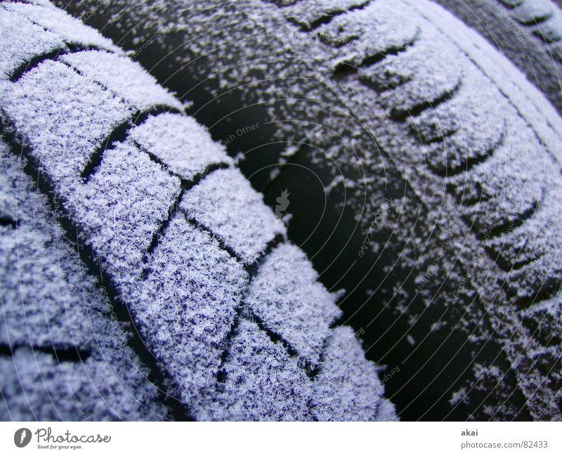 Rauhreifen 2 Autoreifen Eis kalt Raureif Silhouette Autorennen Formel 1 Schlappen Verkehr Motorsport sommerreifen PKW Frost Schnee Profil akai
