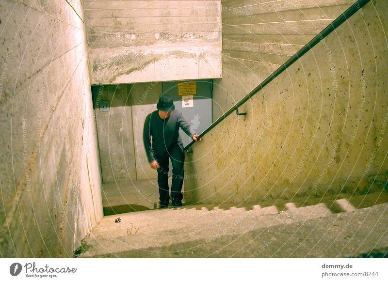 Mensch und Beton I Mann Stil Beton Treppe