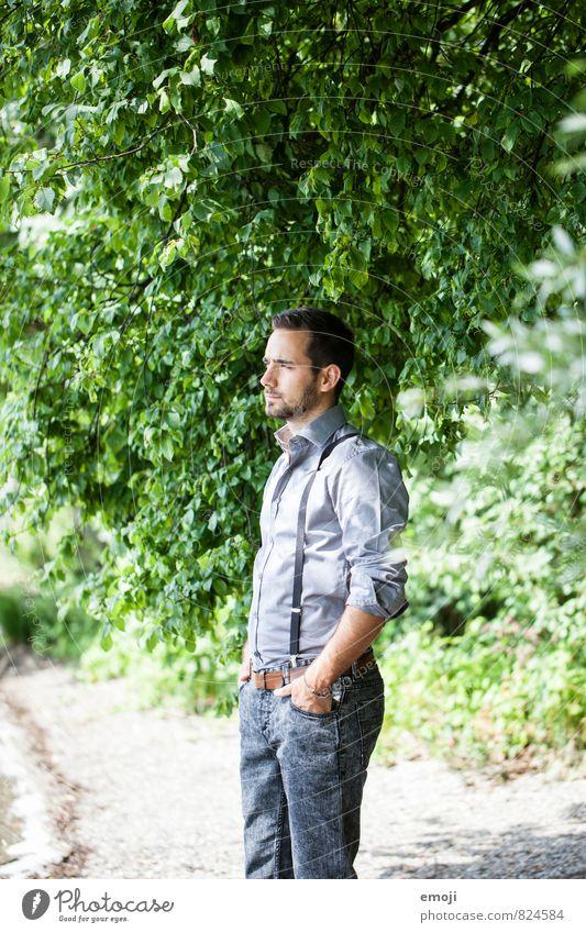 shades of green maskulin Junger Mann Jugendliche 1 Mensch 18-30 Jahre Erwachsene Schönes Wetter Pflanze Baum Dreitagebart schön natürlich Farbfoto Außenaufnahme