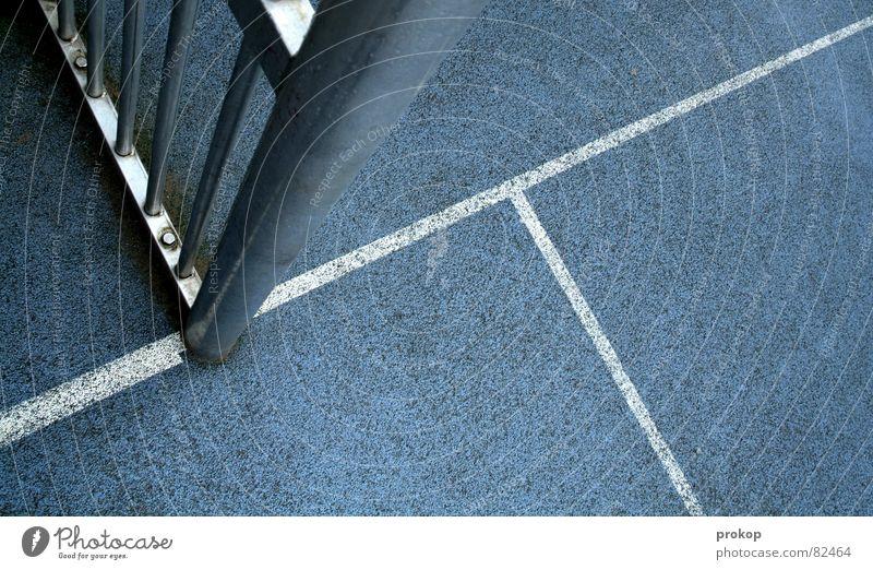 Käfig Blau - Teil I Strafraum Gummiboden Geometrie Pfosten grau Streifen Strukturen & Formen abstrakt Mosaik diagonal Ecke eckig quer Spielfeld Sportplatz Platz