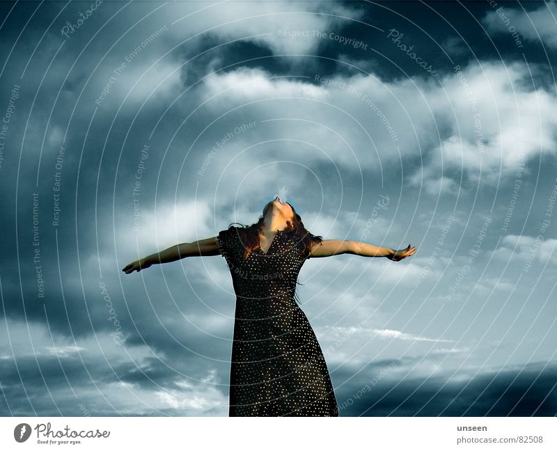 all things Frau Mensch schön Himmel blau Sommer Freude ruhig Wolken Leben feminin Freiheit Glück Zufriedenheit Stimmung