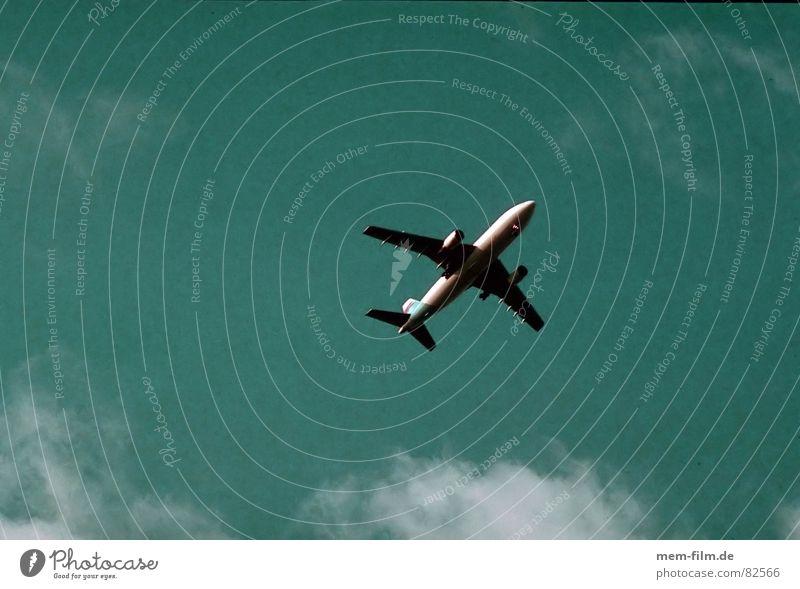 ikarus 2 Himmel Ferien & Urlaub & Reisen Wolken Horizont Stimmung Erde Angst Klima Flugzeug Luftverkehr Frankfurt am Main Klimawandel Panik Kohlendioxid Fluggerät Pilot