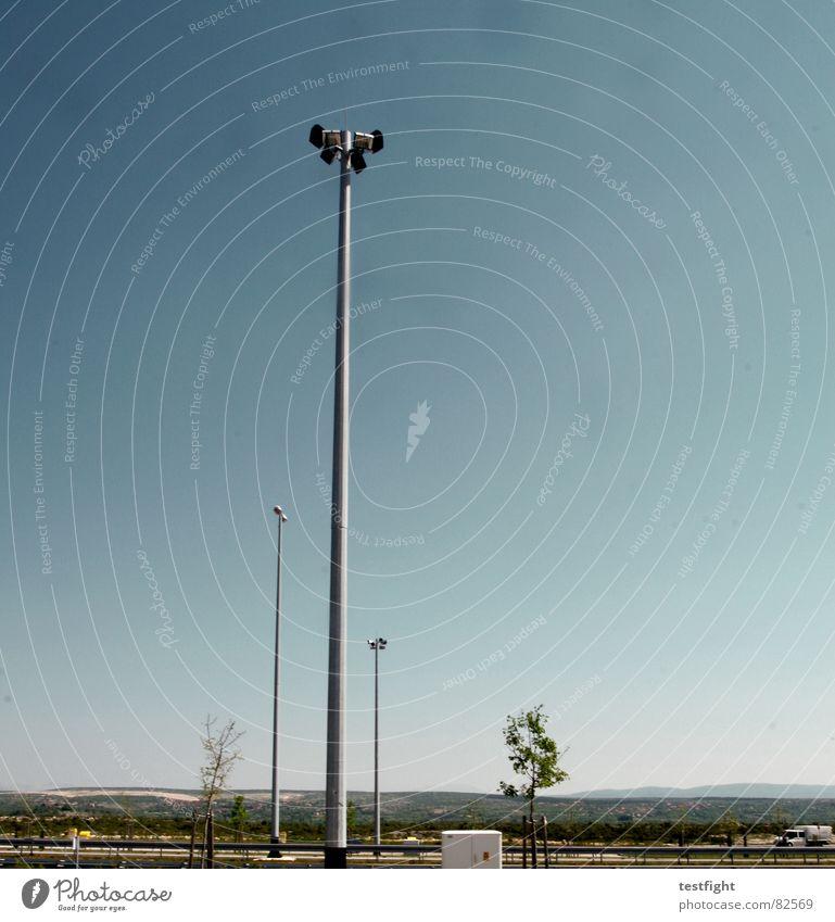 beleuchtung Himmel blau Lampe fahren Autobahn Laterne Amerika Stadtteil Scheinwerfer Funzel
