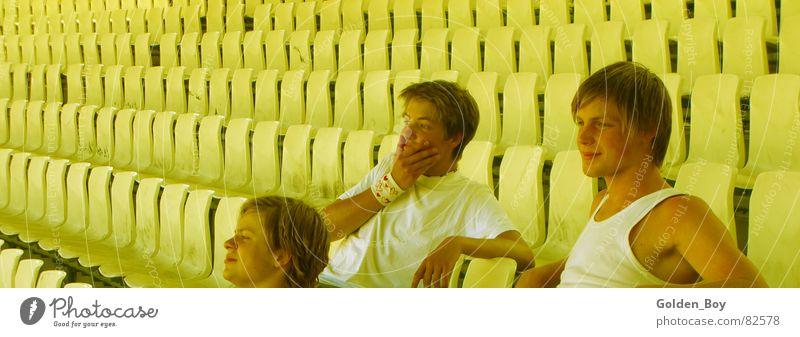 Allein im Stadion Mensch Freude Sport Spielen Elektrizität mehrere Sitzgelegenheit Aufenthalt