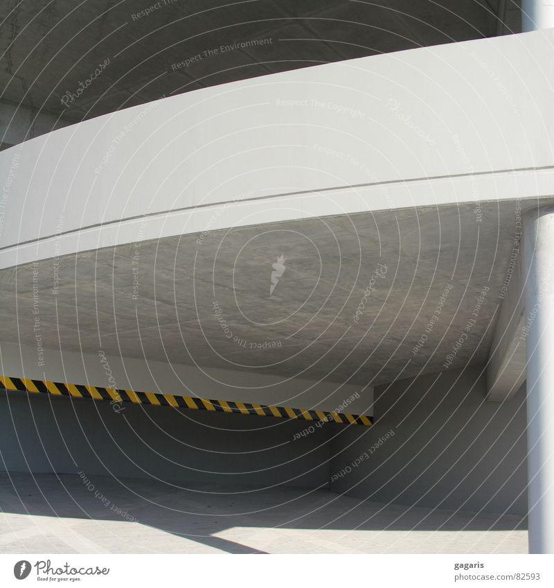 Rampe Architektur Beton verrückt Spirale Parkhaus abstrakt Autobahnauffahrt formal