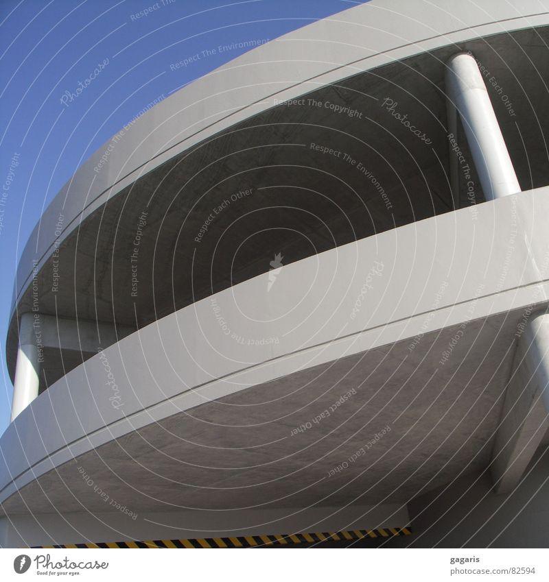Ufo2 Architektur Beton verrückt Spirale Parkhaus Rampe Autobahnauffahrt formal